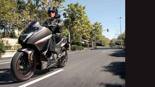 Honda Integra Scooter - hit the road