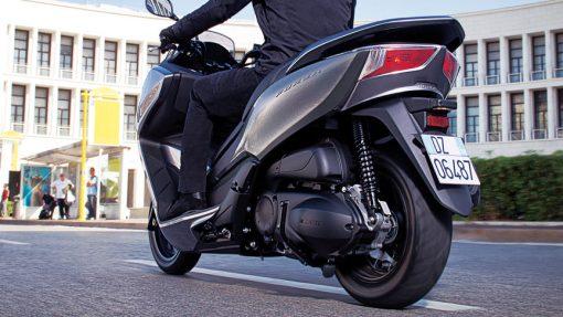 Honda Forza 300 Scooter - riding to London