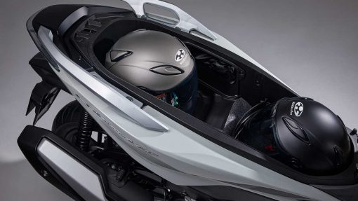 Honda Forza 350 scooter 2021 storage