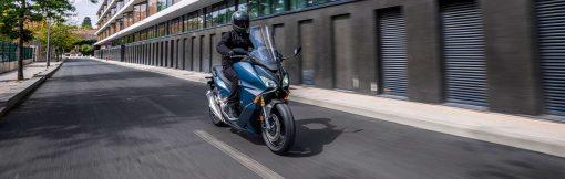 Honda Forza 750 scooter 2021 - riding, London