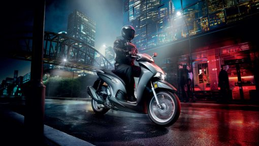 Honda SH350i on the night streets, CMG